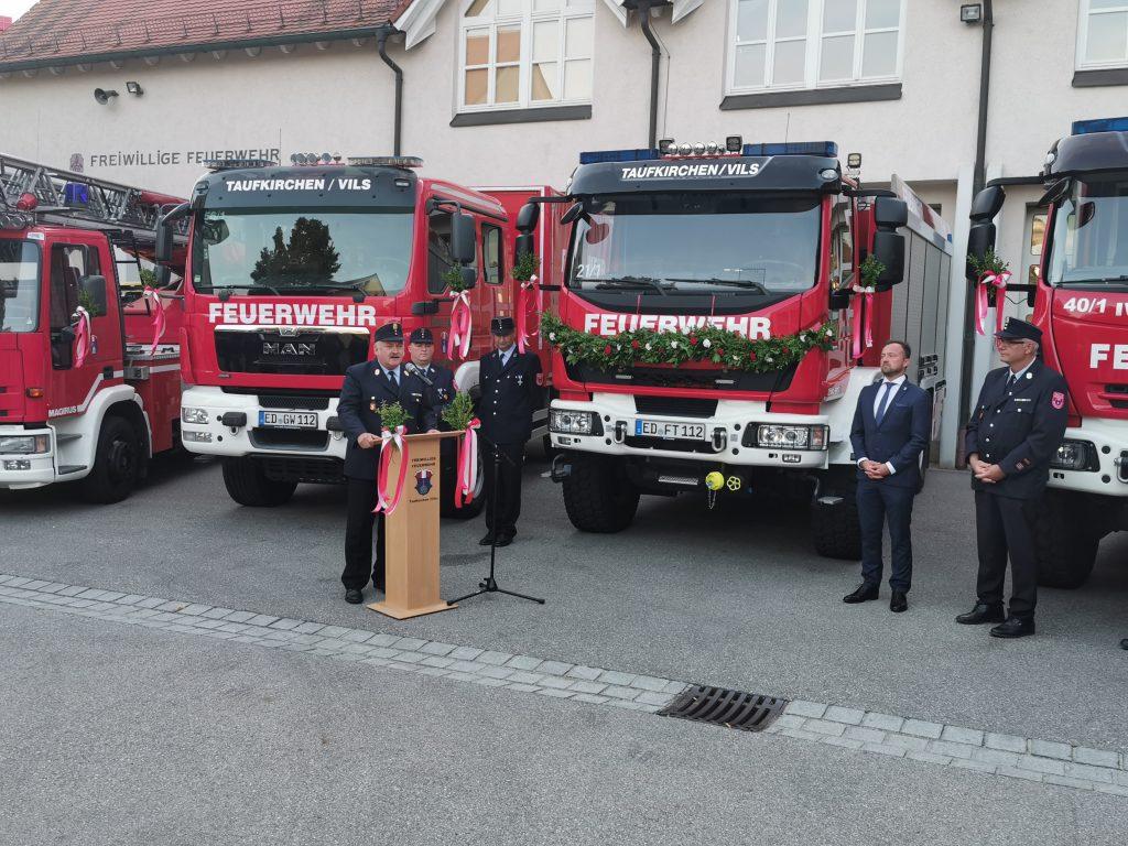 Kreisbrandinspektor Richard Obermaier lobte die Zusammenarbeit von Feuerwehren, Gemeinden und Landkreis.