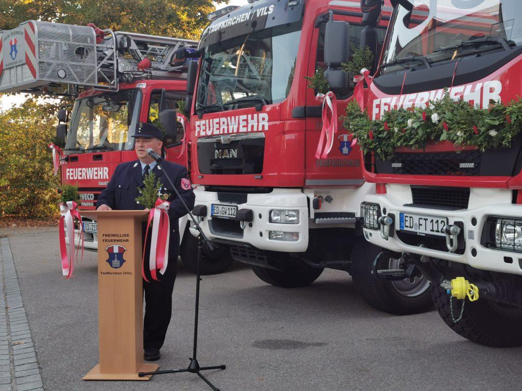 Vorstand Helmut Lechner begrüßte alle Gäste