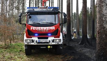 Waldbrand Baierbach - TLF Taufkirchen